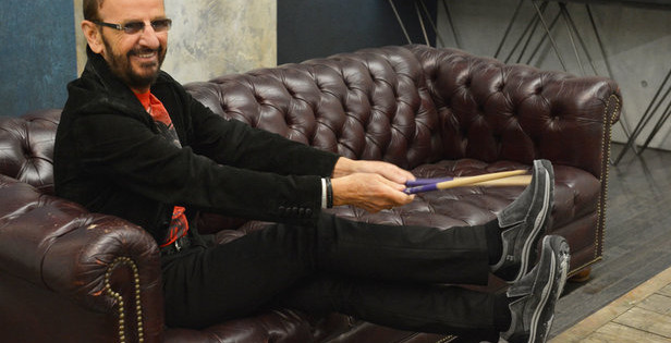 Footwear Focus Road Test – A star struck Henry Harington chills out in a pair of Skechers' Faris loafers